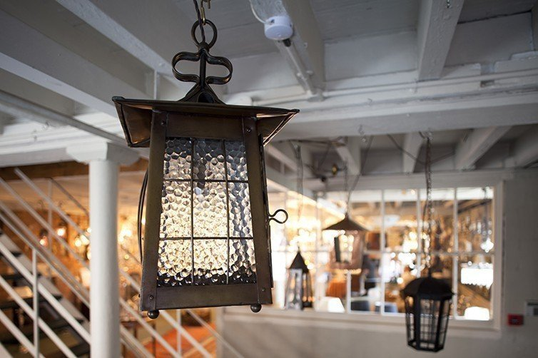 antique-lighting-shop-fritz-fryer-interior-photo-shop